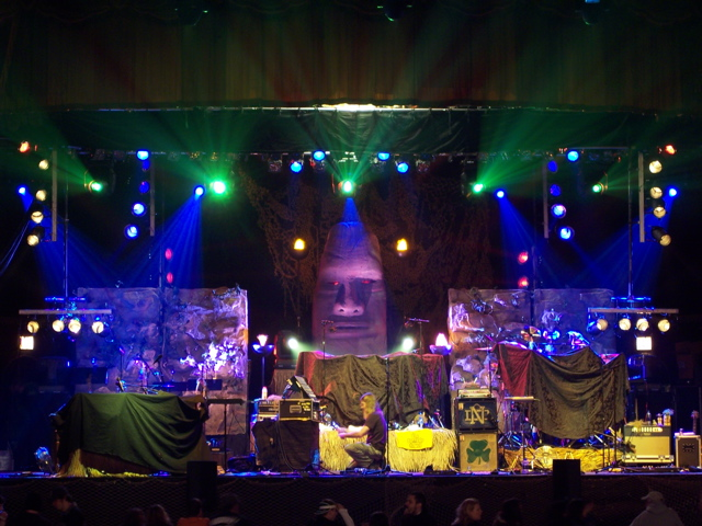 Lighting provided for Umphrey McGee's 2008 Tour